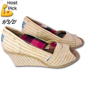 🦸♀️ TOMS Michelle Striped Canvas Open Toe Wedge